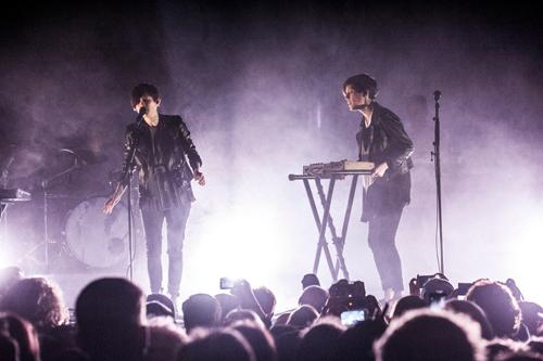 Tegan and Sara on stage - Euro Tour 2013