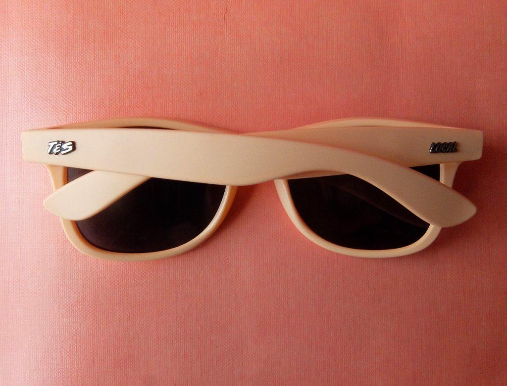 TeganAndSara-Local-Sunglasses-2